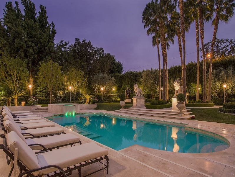 Epitome of elegance on over an acre ruf lyf - Beverly hills public swimming pool ...