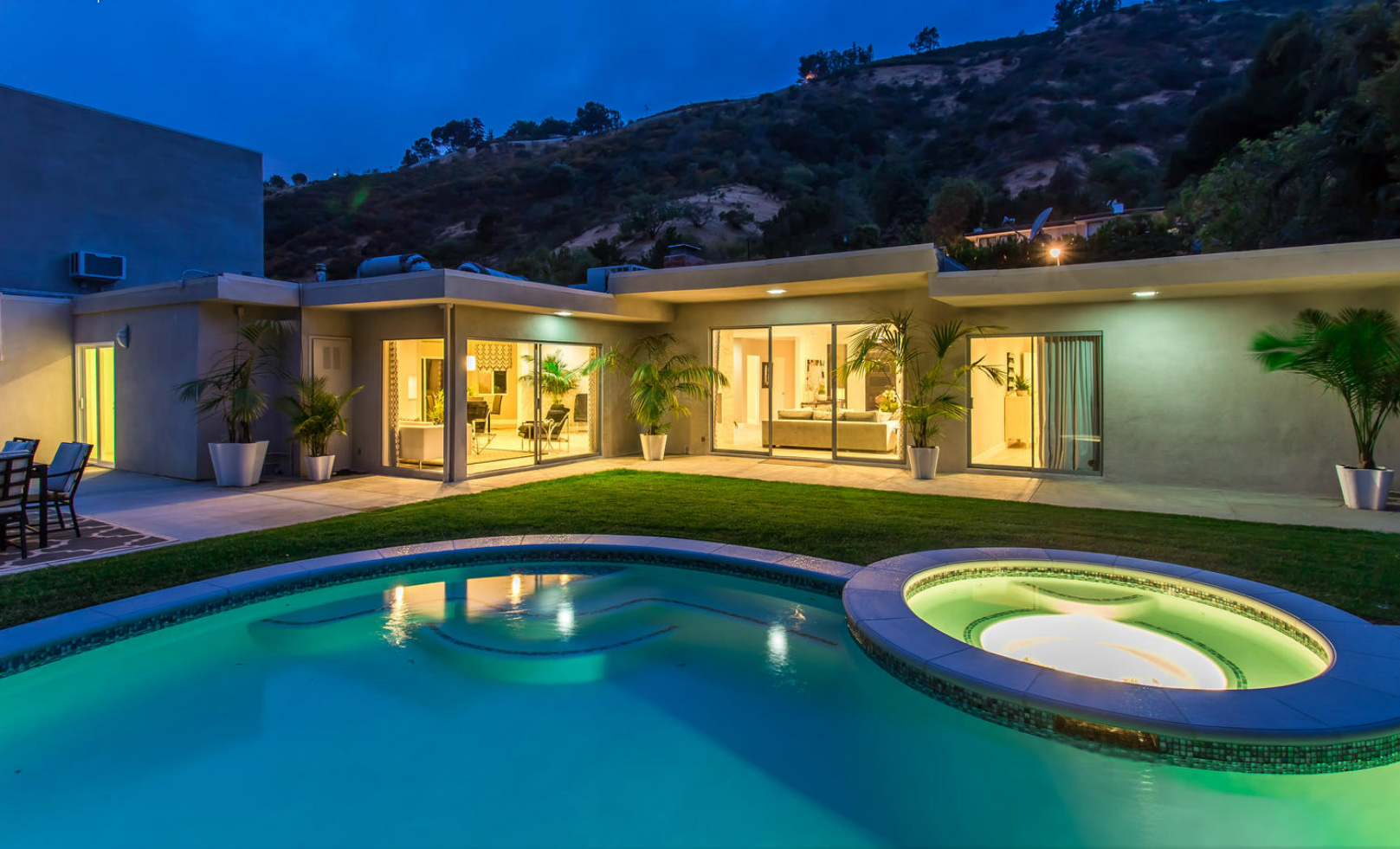 Spectacular Contemporary In Beverly Hill 3 000 000
