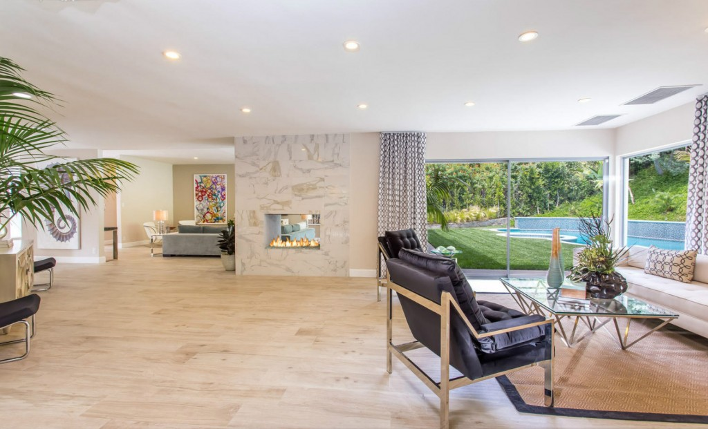 Spectacular Contemporary in Beverly Hill 14