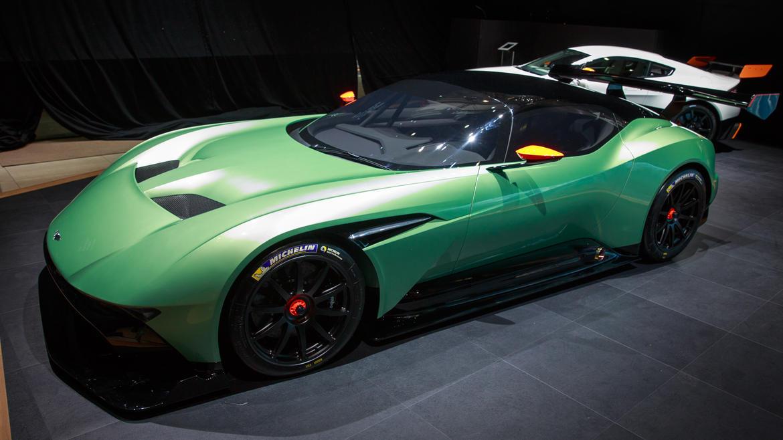 2016 Aston Martin Vulcan Ready To Bomb The World S