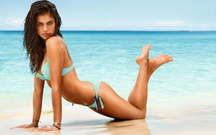 See more of this green eyed Portuguese model, Sara Sampaio.