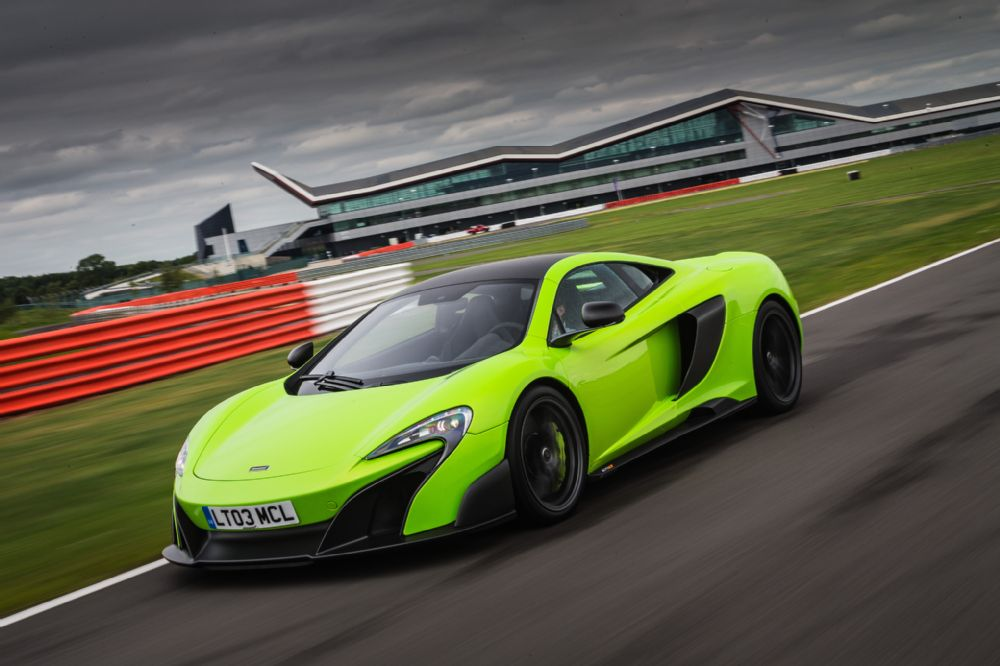 THE McLAREN 675LT mean green machine beast racecar super car hypercar lime track (15)