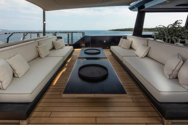 Новый концепт 120-метровой моторной яхты от дизайн студии тони кастро