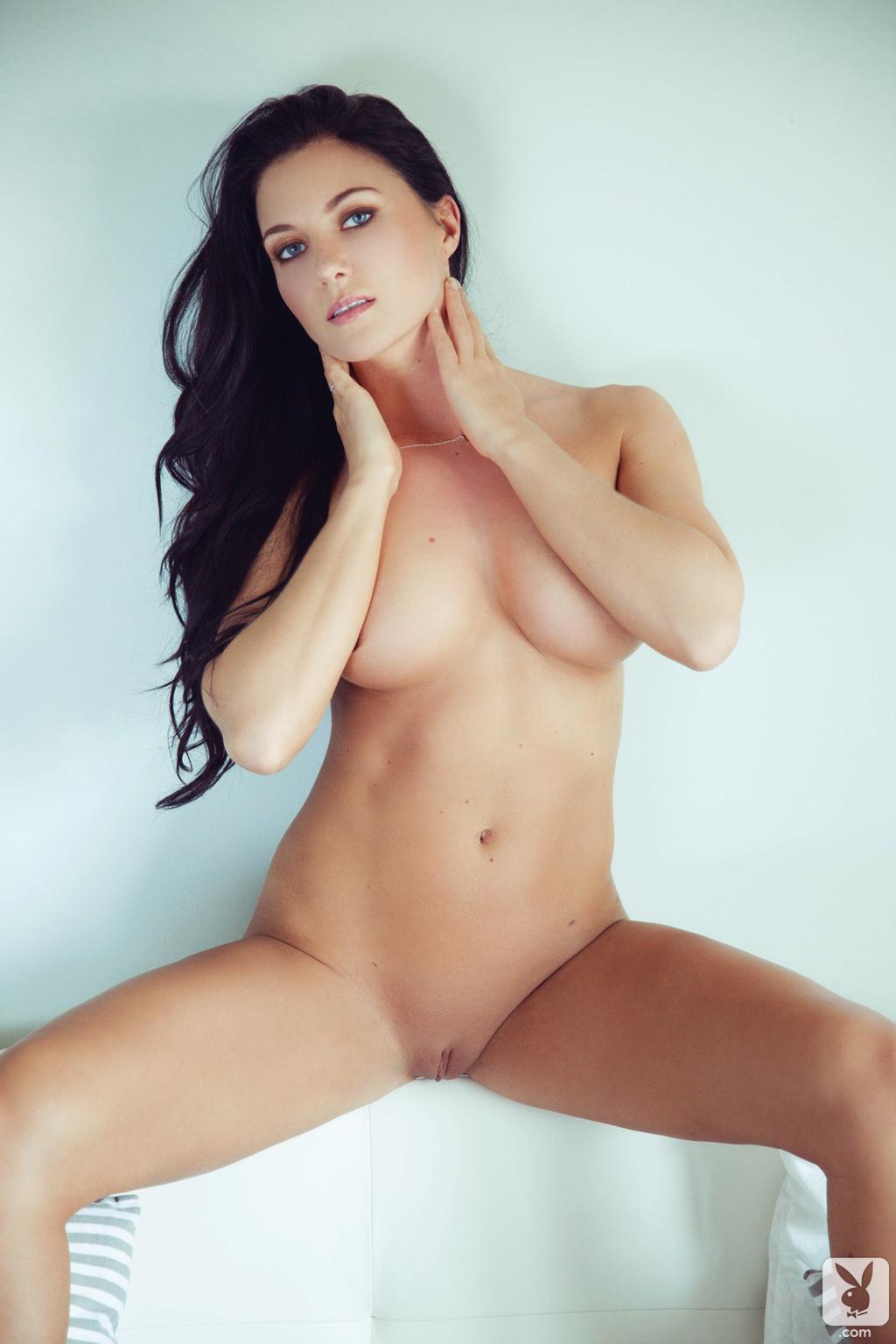 big naked booty outside