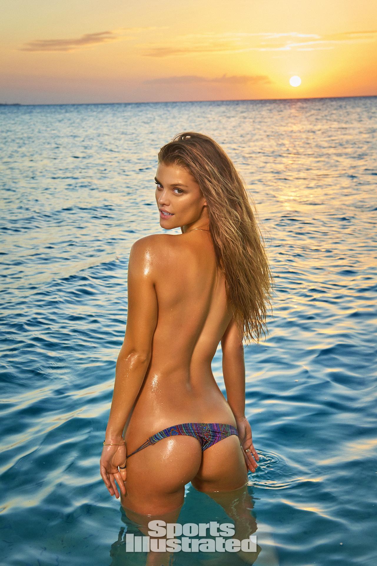 si swimsuit naked girls